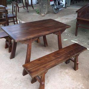 Bộ bàn ghế ngựa